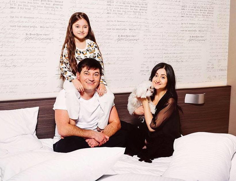 Corina şi Costi Burlacu au devenit pentru a doua oară părinţi