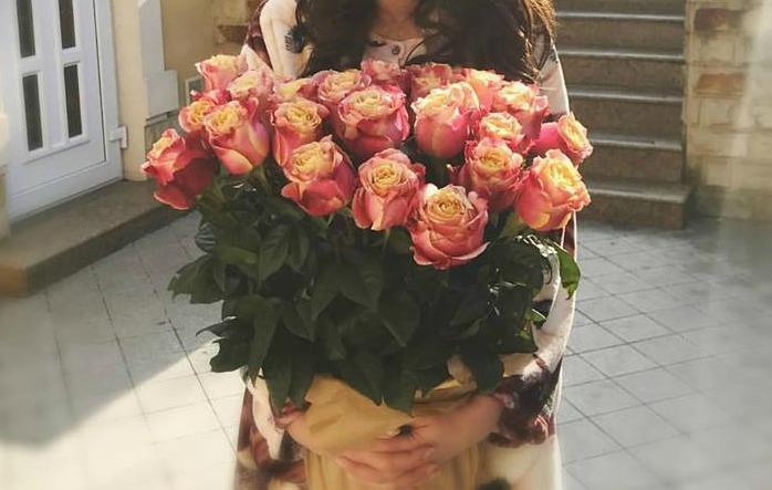 O cântăreață de la noi a fost cerută în căsătorie! Foto