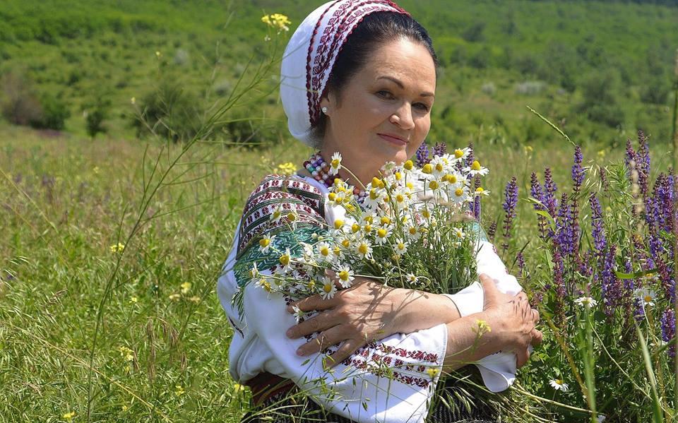 La mulți ani, Ioana Căpraru! Vezi câți ani împlinește artista