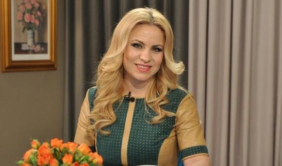 Ziua de ieri a fost plină pentru Nelly Ciobanu. Cântăreața a avut parte de o dublă sărbătoare