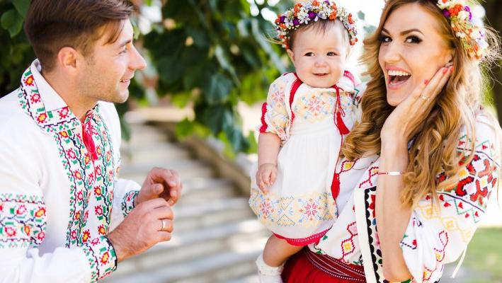 Imagini inedite cu fetița Tatianei Heghea! Regina-Raluca a împlinit doi anișori