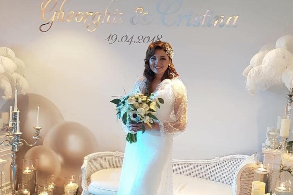 Cristy Rouge a lansat o piesă dedicată soțului ei, pe care a cântat-o în premieră chiar în ziua nunții!