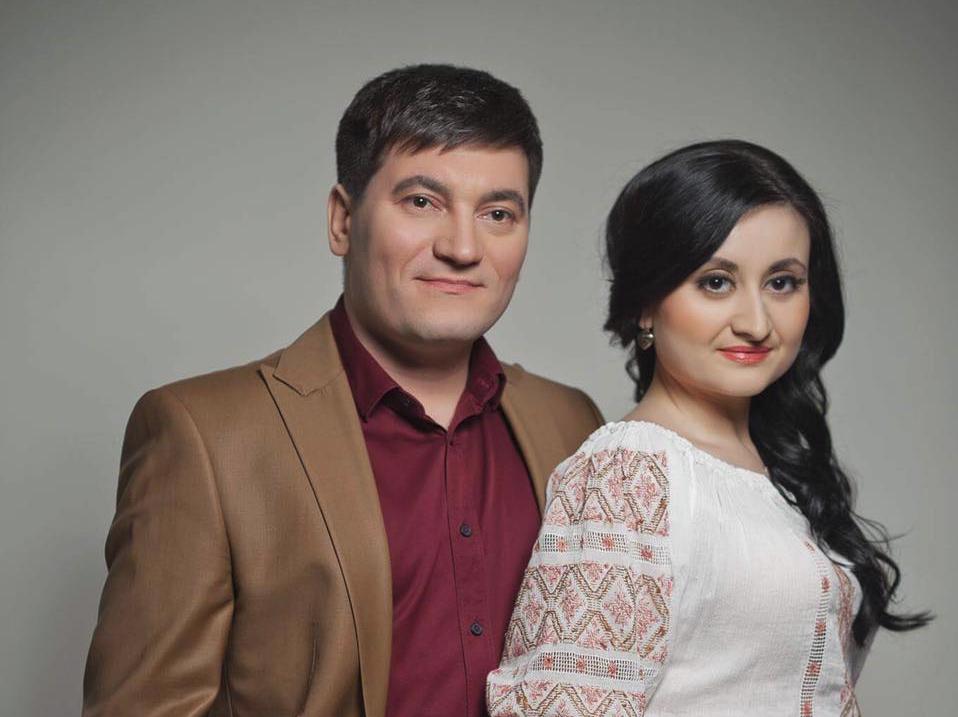 Unde vor petrece Sărbătorile Pascale soții Costi Burlacu și Corina Țepeș!