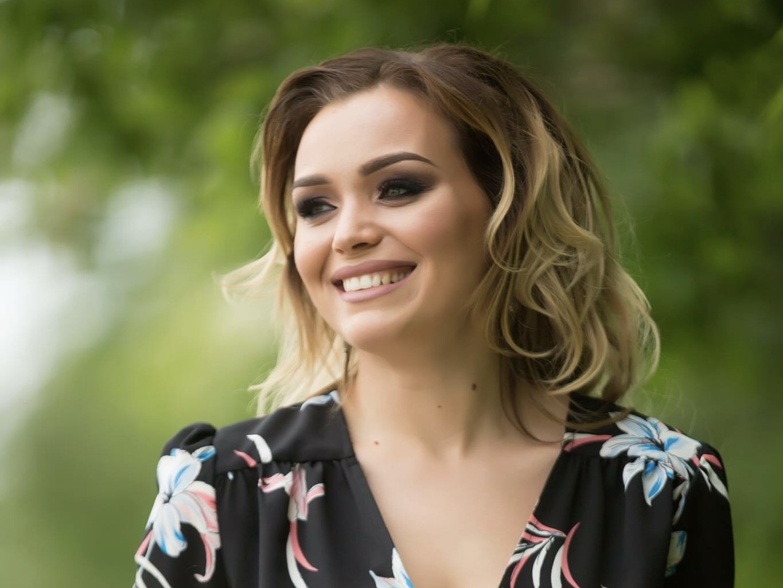 Cornelia Ștefăneț a anunțat data lansării noului videoclip. Urmărește-i teaserul