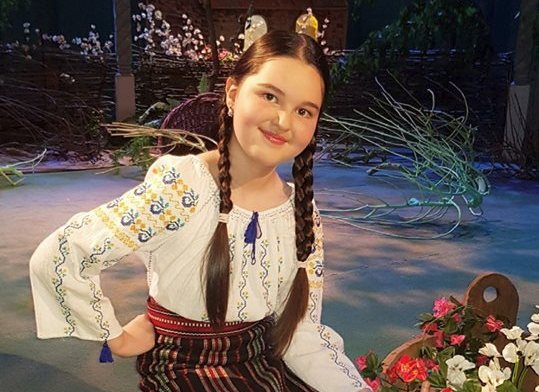 Andreea Cuciuc pregătește un videoclip de muzică populară!