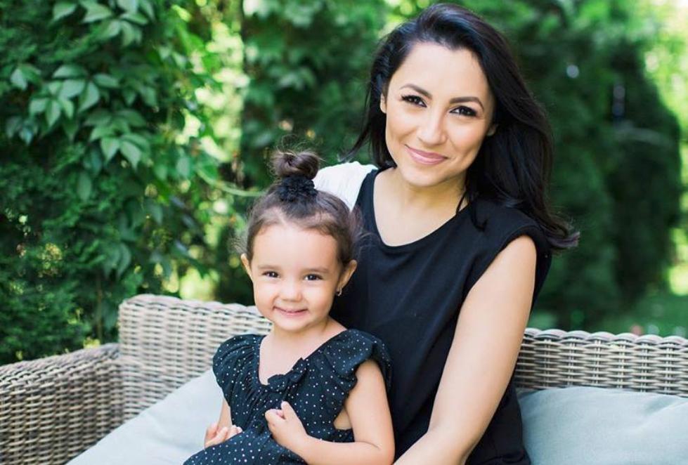 """Andra i-a scris o scrisoare emoționantă fetiței sale: ,,Să o citeşti când vei creşte mare"""""""