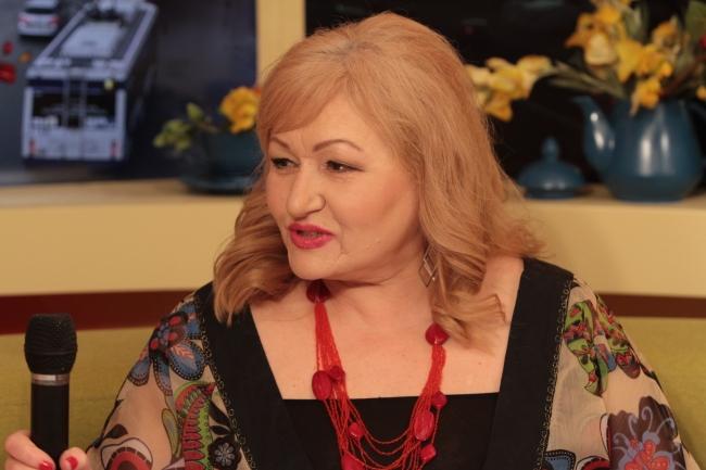 """Distinsa Lidia Botezatu: """"Artist al Poporului după jumătate de secol de carieră"""""""