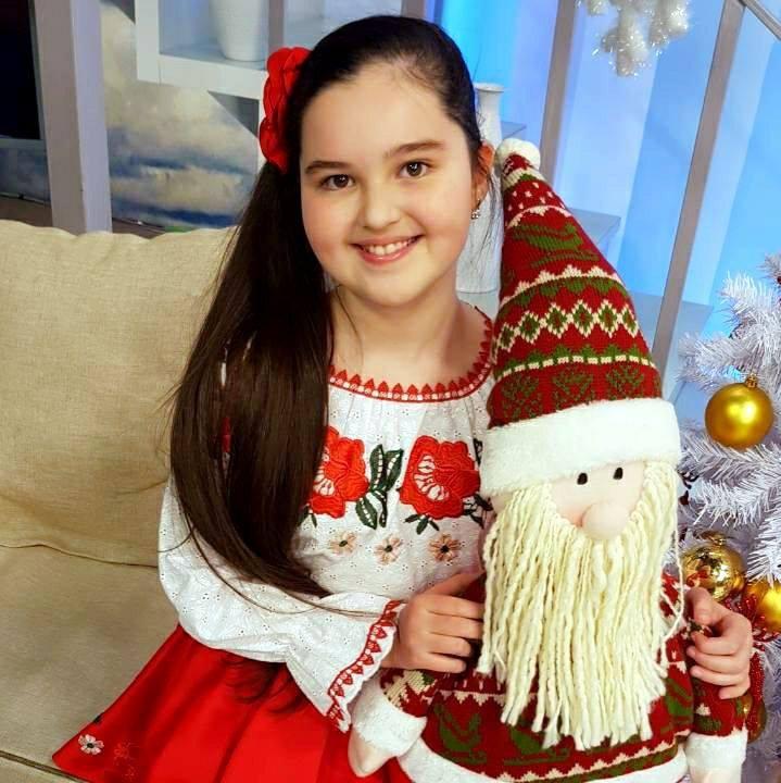 Andreea Cuciuc pe urmele tatălui | Va cânta de Crăciun în Moscova