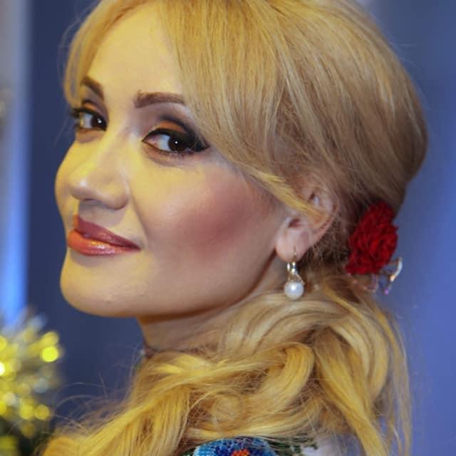 Adriana Ochișanu pregătește un nou duet