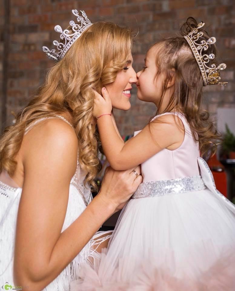 """Tatiana Heghea își sărbătorește FERICIREA """"La mulți ani Regina mamei"""""""