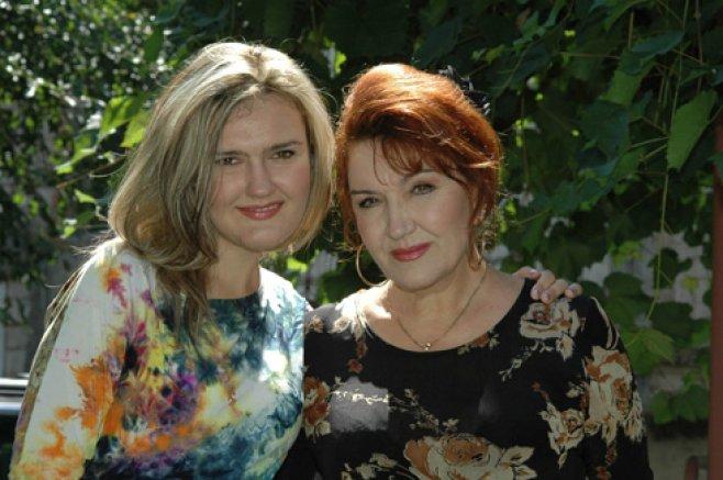 Fiica îndrăgitei artiste Zinaida Julea este omagiată | La mulți ani !