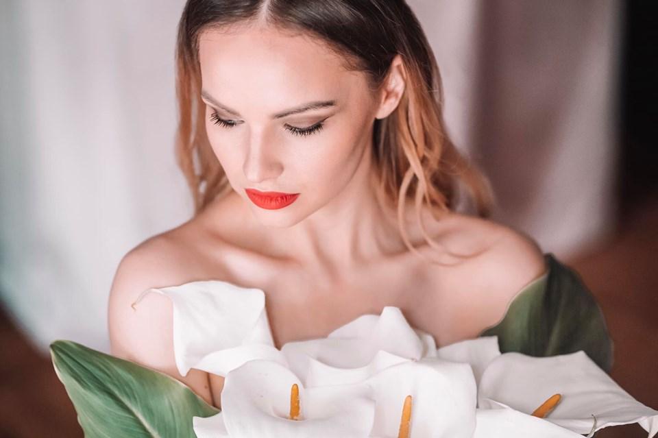 Frumoasa soprană Ana Cernicova a sărbătorit aniversarea celor 28 de ani
