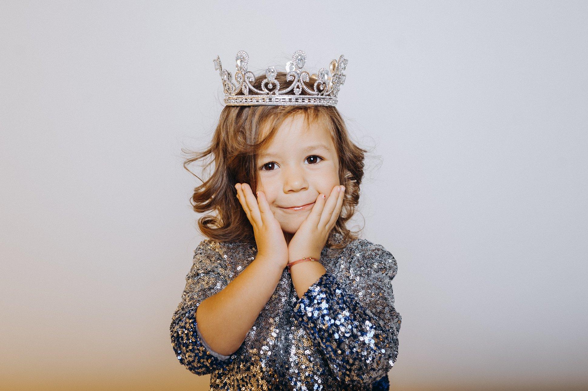 Fiica Tatianei Heghea a împlinit vârsta de 4 anișori!  Regina- Raluca îi posedă zâmbetul și personalitatea interpretei| FOTO