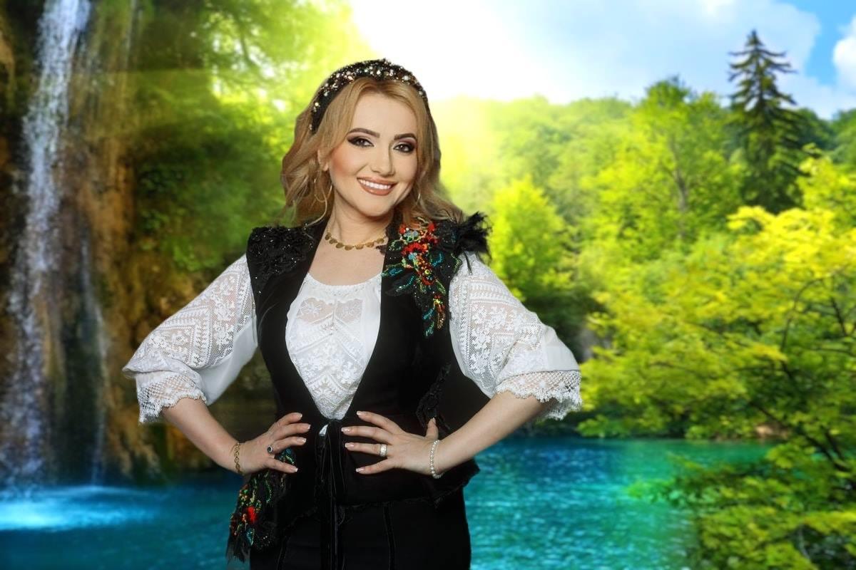 Adriana Ochișanu astăzi ar fi trebuit să-și celebreze ziua de naștere prin Spectacol | Datorită pandemiei artista este și ea în carantină