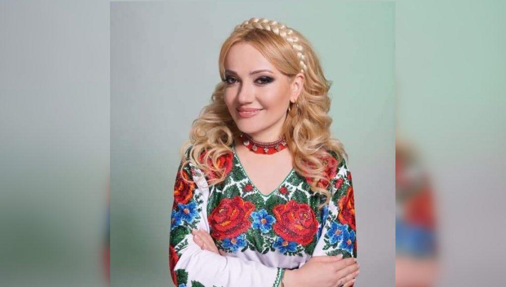 """Adriana Ochișanu, îndemn: """"Râzi mereu, râzi, fă pe nebunul…"""""""