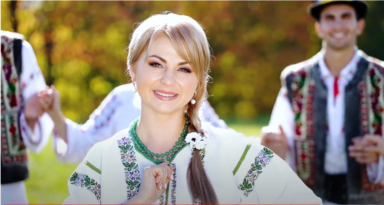 """Videoclip nou! Definiția moldoveanului: """"Unde-s eu cu neamul meu"""" de la Doinița Babîră"""