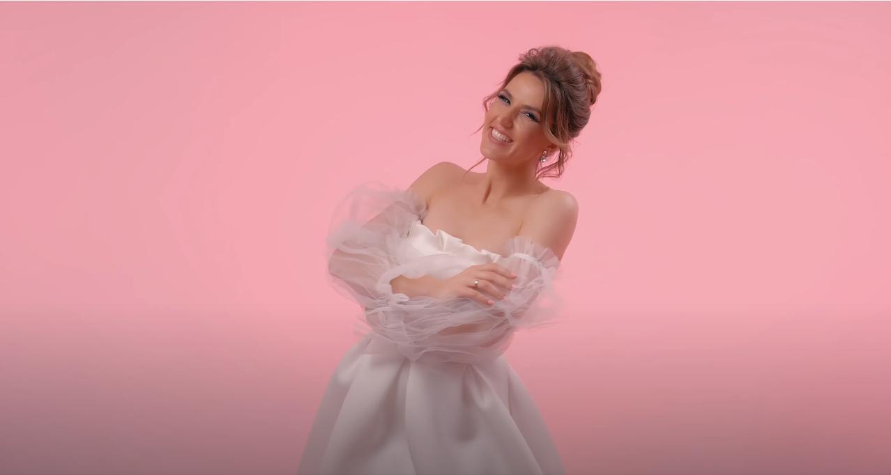 """Tatiana Heghea a lansat o piesă de dragoste """"Dulce lăcrimioară"""" (VIDEO)"""