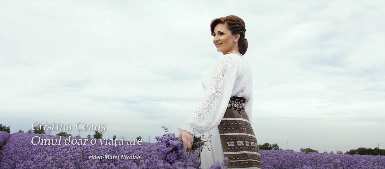 """Cristina Ceauș a lansat un videoclip cu aromă de poveste într-un lan imens de lavandă – """"Omul doar o viață are"""" (VIDEO)"""